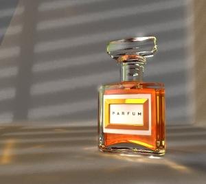 HayleyWilliams_Perfume_Bottle_Image_contrast